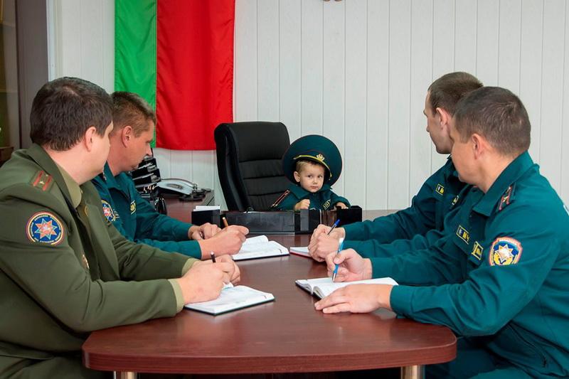 Областной этап фотоконкурса «Спасатели и дети»: работы Витебской и Гродненской области