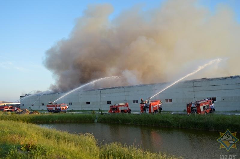 Ликвидирован пожар на складе в Барановичском районе: пострадавших нет