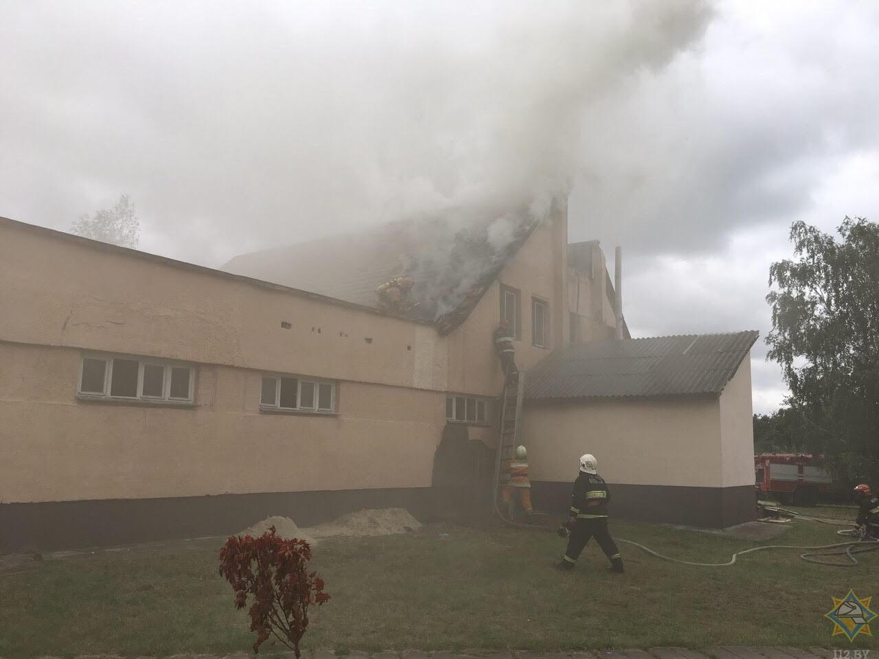 В Брестском районе спасатели ликвидировали пожар в здании общественной бани